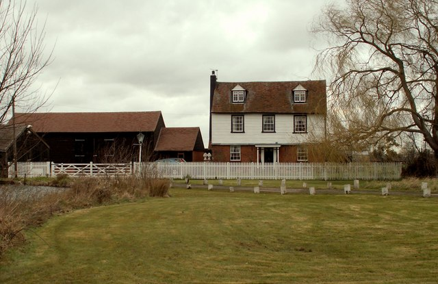 A view of Watton farm from Horseman Side