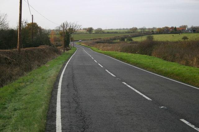 The B4011 heading towards Oakley