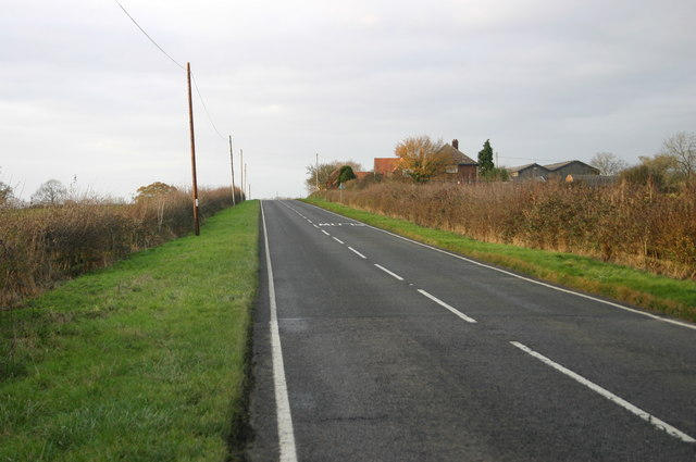 The B4011 approaching Addingrove Farm