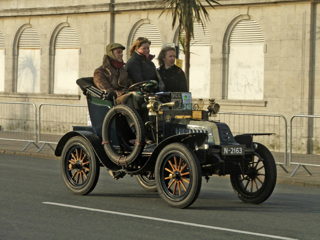 Veteran Car - 1903 De Dion Bouton - Madeira Drive, Brighton, East Sussex
