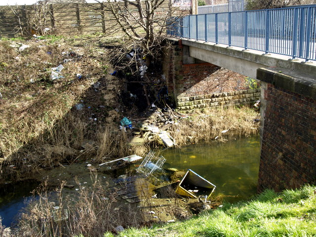 Rubbish Accumulation in Barmston Drain