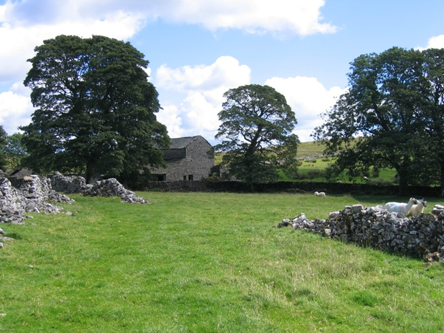 Footpath to Thorns and the old barn