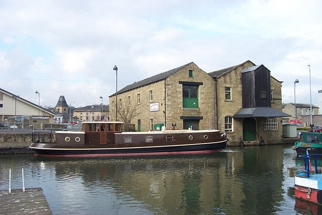 Boatyard in Brighouse Basin