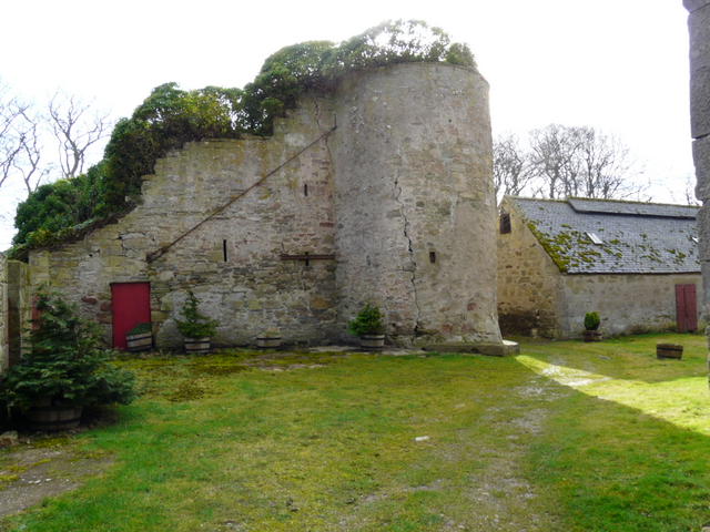 Ruins at Glenmorangie House