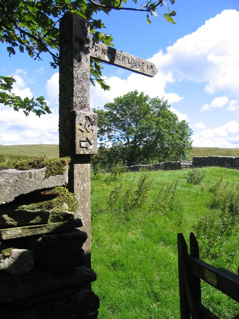 Ribble Way signpost to Nether Lodge