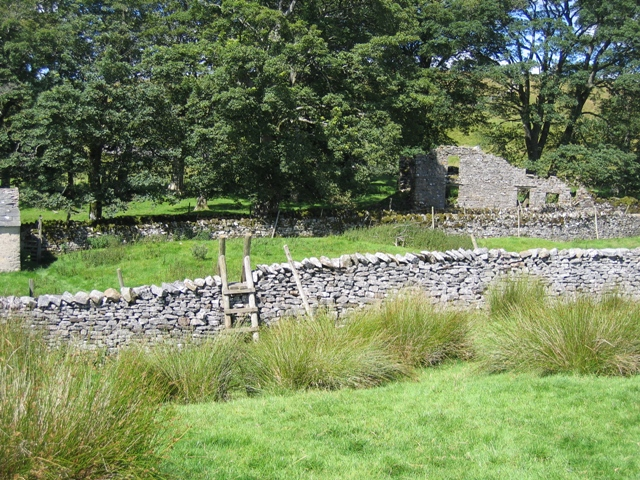 The Ribble Way and the old house at Thorns