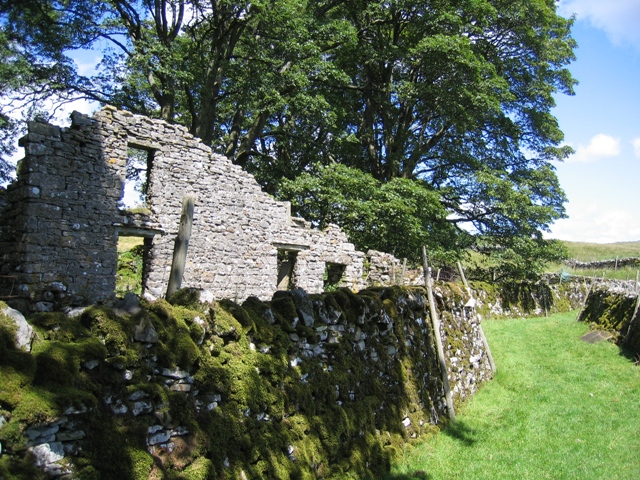 The old house at Thorns and the Ribble Way