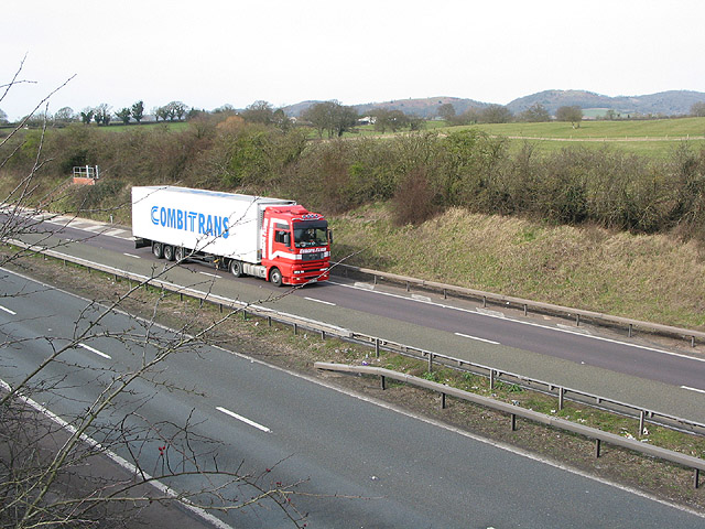 Truck heading east along the M50 at Pendock