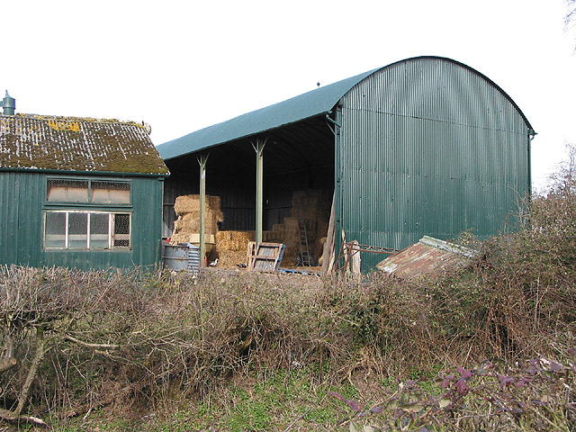 Dutch barn at Pendock
