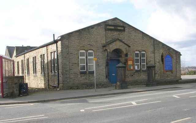 Highfield URC - High Street, Earlsheaton