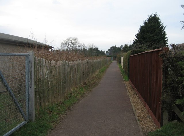 Footpath behind Foster Road