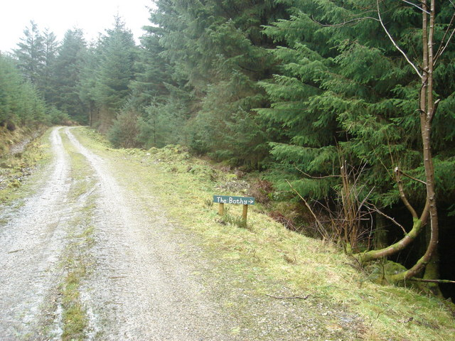 Start of footpath leading to Resourie bothy