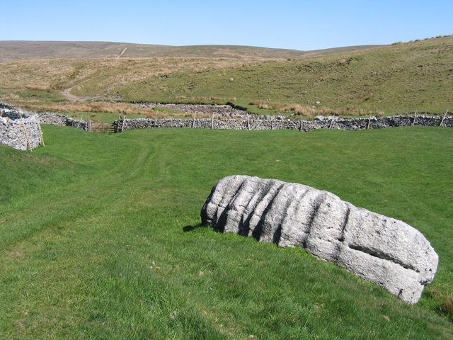 The Ribble Way and boulder