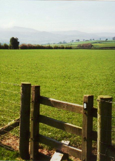 Offa's Dyke Path approaching Hay on Wye