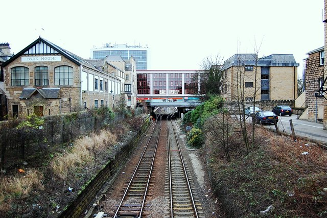 Harrogate station approach