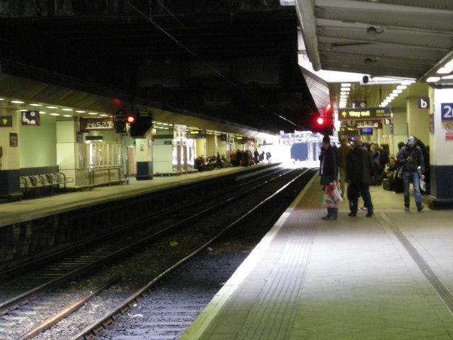 Birmingham New St Station Platforms 1 & 2.