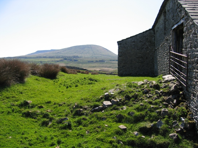 The old barn at Thorns and Simon Fell