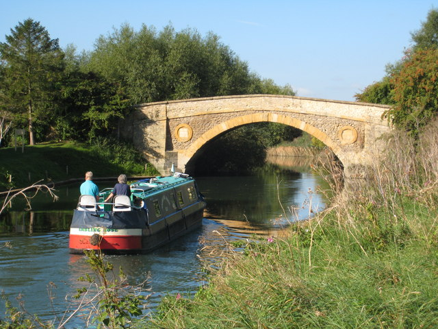 Tadpole Bridge on the Thames nr Buckland from downstream