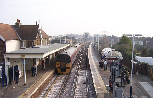 Train at Cosham station