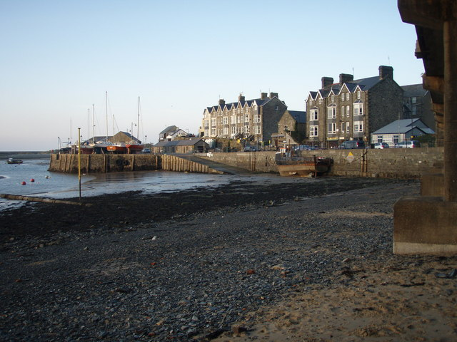 The Quay seen from the concrete railway bridge