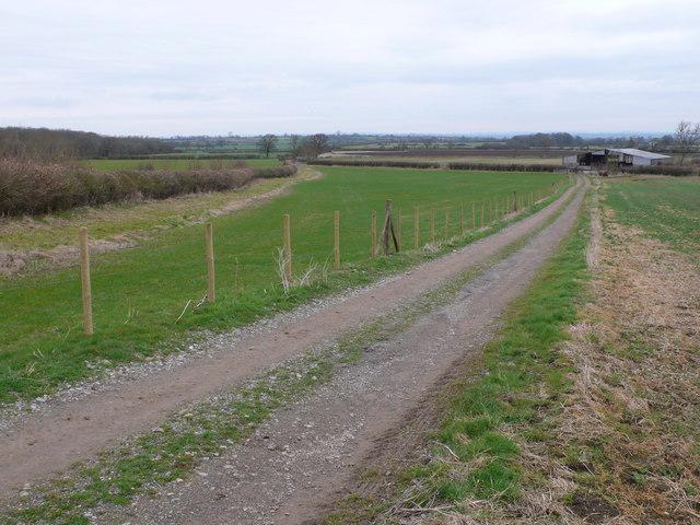 Farm track and barn near Sparkford