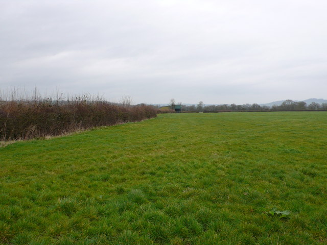 Farmland and barn near Hornblotton
