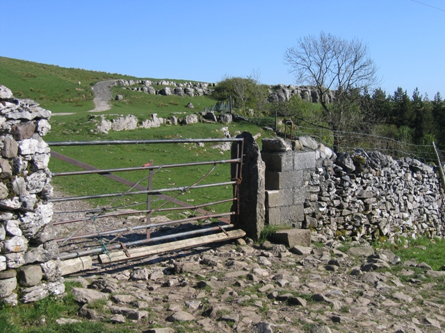 Gateway and stile on the Ribble Way