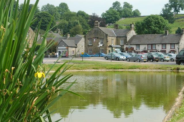Central Hartington & 'The Devonshire Arms'