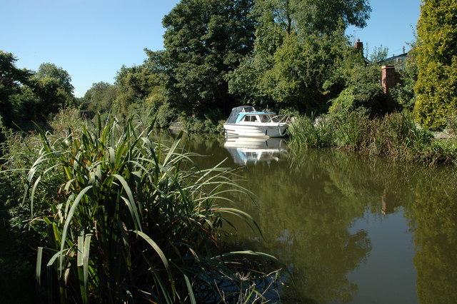 On the Fazeley Canal