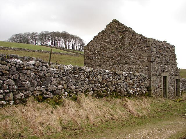 Ruined Barn near Outabar