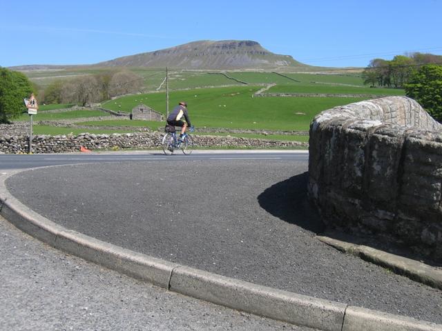 Cycling across Horton Bridge