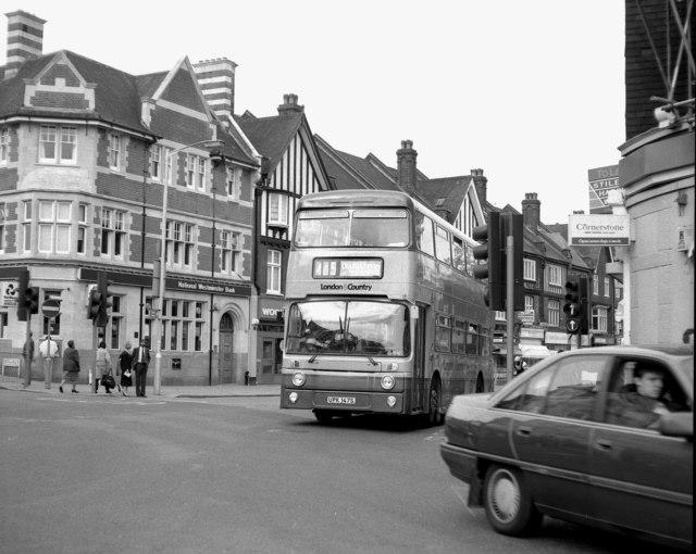 Brighton Road at Purley Cross - 1990