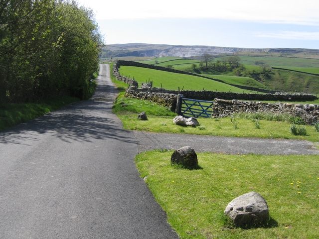 The road to Horton in Ribblesdale at Newhouses