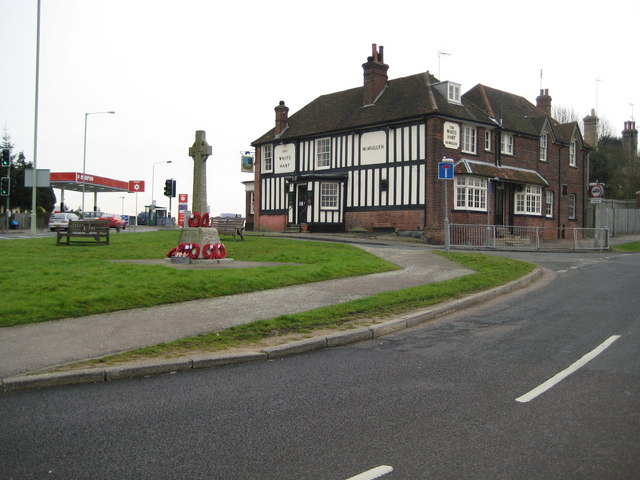 South Mimms: The White Hart & The War Memorial