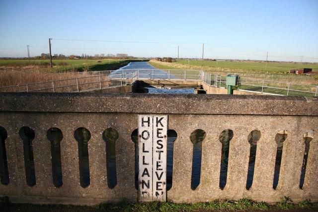 Holland - Kesteven boundary
