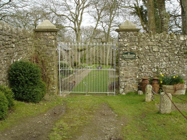 Penfound Manor - gates