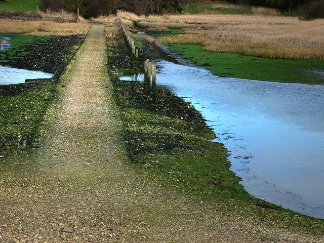 Footpath Warsash, crossing Bunny Meadows