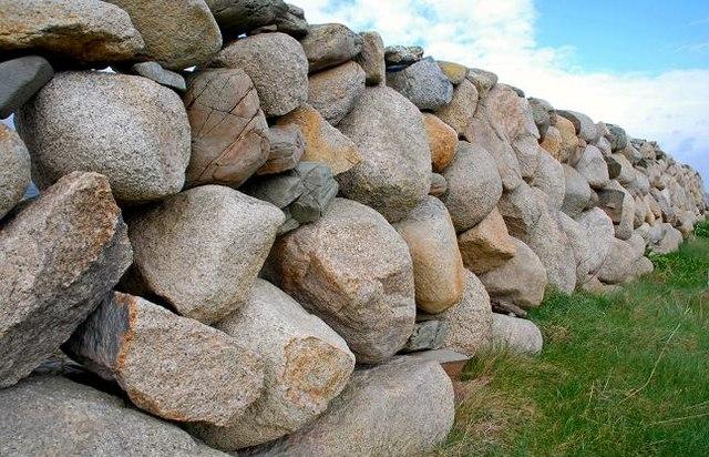 Drystone wall near Annalong (1)