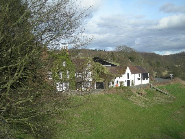 Houses beside the Ironbridge Road