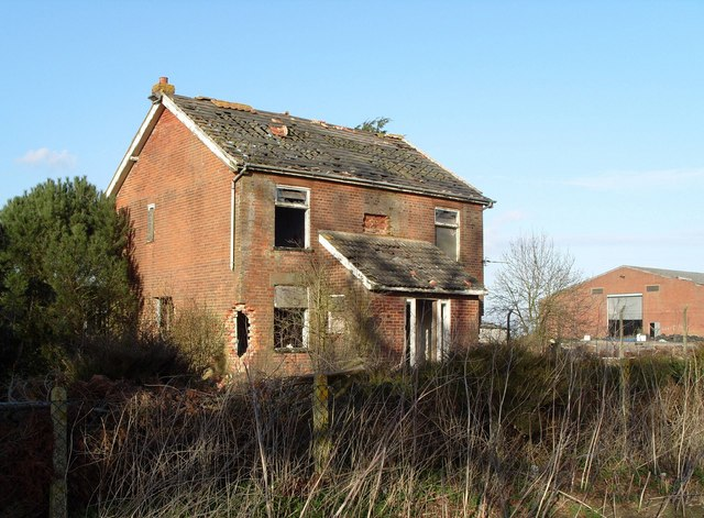 Derelict Farm Cottages, Harford Farm