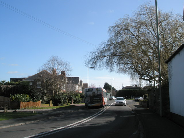 Bus rounds bend by Northwood Lane, North Hayling