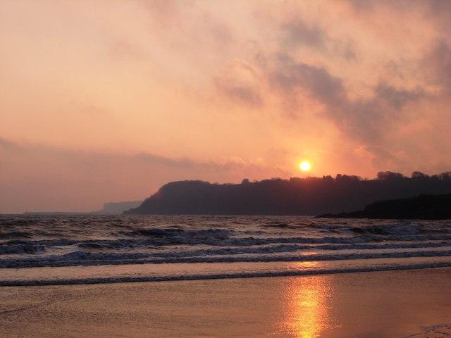 Broadsands Beach - foreboding sunrise