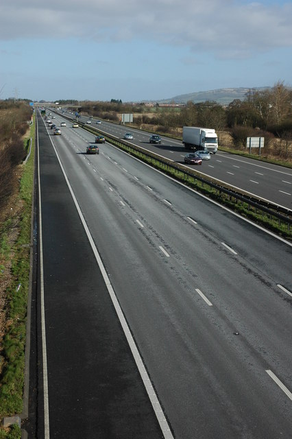 The M5 approaching Junction 9