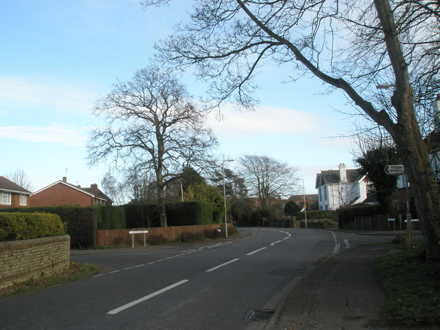Modest crossroads in Hollow lane