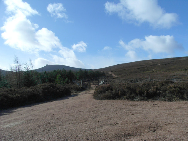 The track to Airy Muir