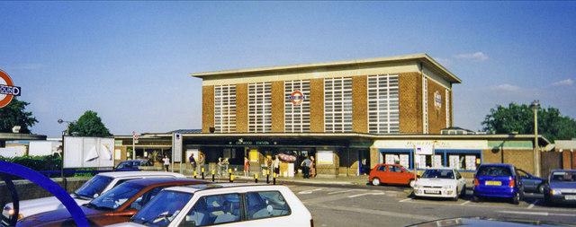 Oakwood Station, London, N14