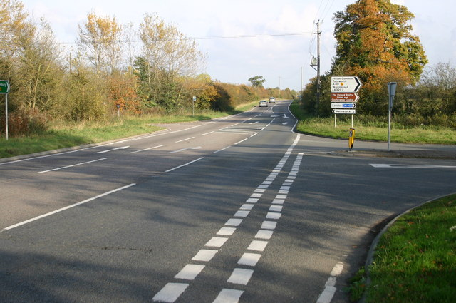 The A418 heading towards Tiddington
