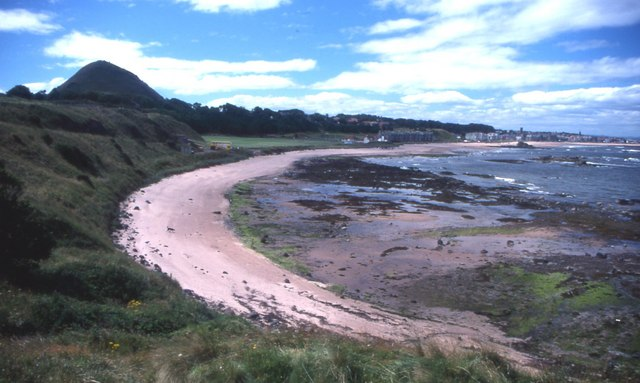 View towards North Berwick from Rugged Knowes
