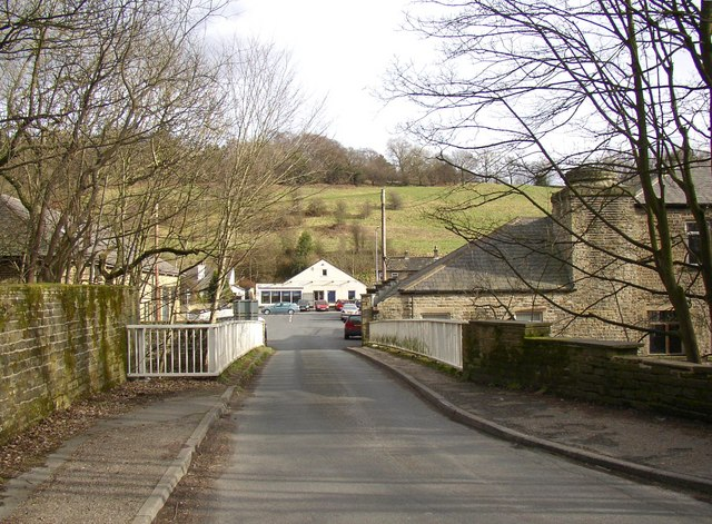 Steps Bridge, Honley