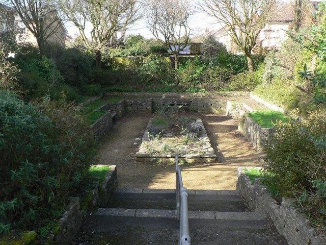 Winton: sunken garden